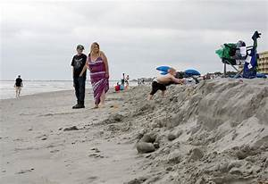 South Carolina Beaches Weather The Storm As Forecasters