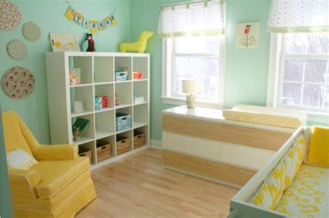 chambre bébé jaune deco chambre bebe garcon bleu et vert