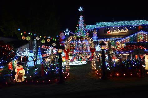 christmas lights illuminate burnaby home for bc childrens