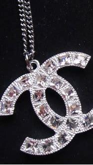 AUTHENTIC Chanel Classic Large CC Logo Necklace Square ...