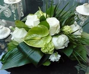 centre de table de fleurs blanches trucs et deco With amazing amenagement petit jardin avec terrasse et piscine 11 piscine moderne vert et bleu piscine