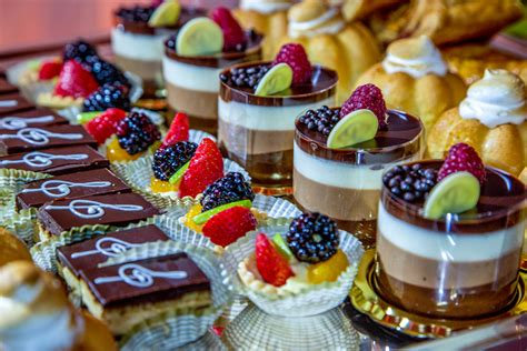 wedding desserts to serve at your wedding besides cake