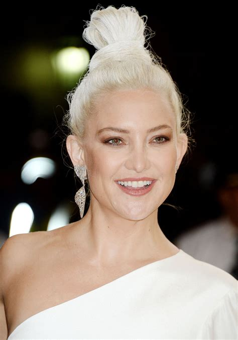 Click to view the best pictures as rated by you. Kate Hudson at MET Gala in New York 05/01/2017