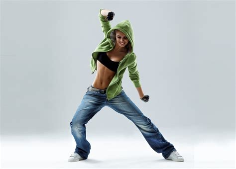 FEMCOMPETITOR MAGAZINE u00bb Where The Elite Compete u00bb Female Athletes Zumba Fitness Is New And ...