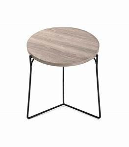 Table Basse Bois Et Noir : set de 2 tables basses gigognes rondes bois et m tal noir ~ Teatrodelosmanantiales.com Idées de Décoration