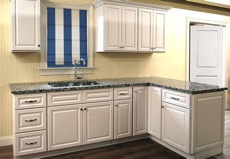 Newport White Kitchen Cabinets   Builders Surplus