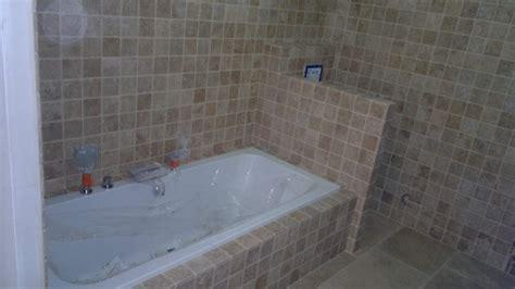r 233 alisation d une salle de bain en pierres naturelles travertin cannat 13760 plombier