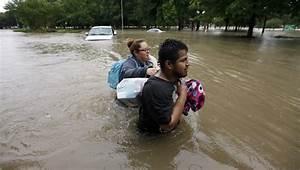 "Storms bring ""life-threatening"" flooding to Texas - CBS News"