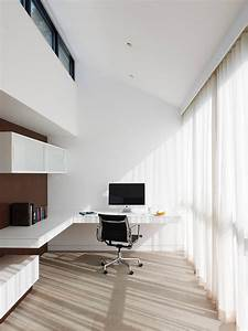 White, Minimalist, Home, Office, Design, With, Floating, Desk, Imac, And, Nice, Chair