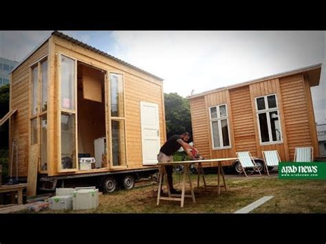 architects refugees team up on tiny houses in berlin