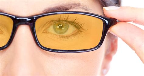 glasses that filter out blue light 100 insomnia busting secrets to sleep better and faster