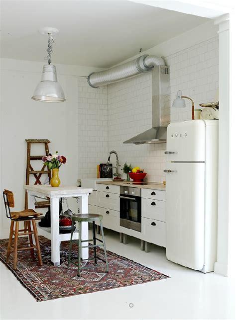 cuisine avec frigo smeg des exemples de cuisines pour vous inspirer