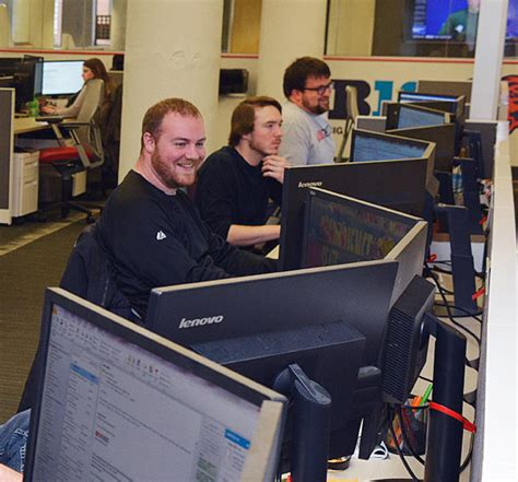 100 help desk technician toronto job find or