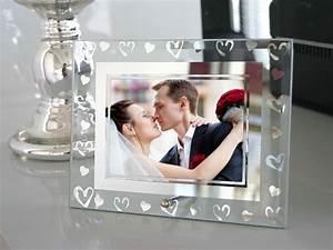 Cadre Photo Mariage : le cadre photo en verre avec coeurs argent s nos cadeaux de remerciement pour vos invit s ~ Teatrodelosmanantiales.com Idées de Décoration