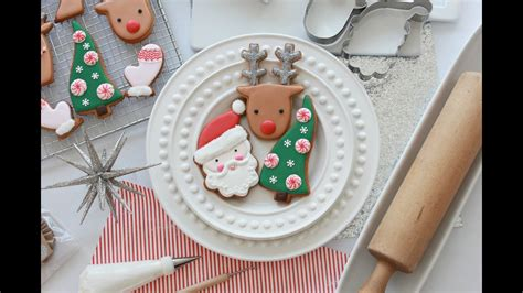 pictures of decorated christmas cookies using royal icing how to decorate simple cookies with royal icing