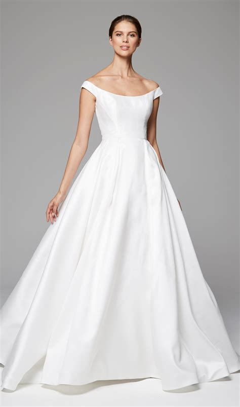 Simple Sleeveless Ball Gown  Ee  Wedding Ee   Dress Kleinfeld Bridal