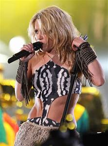 Shakira sings live at the FIFA World Cup Kick Off ...
