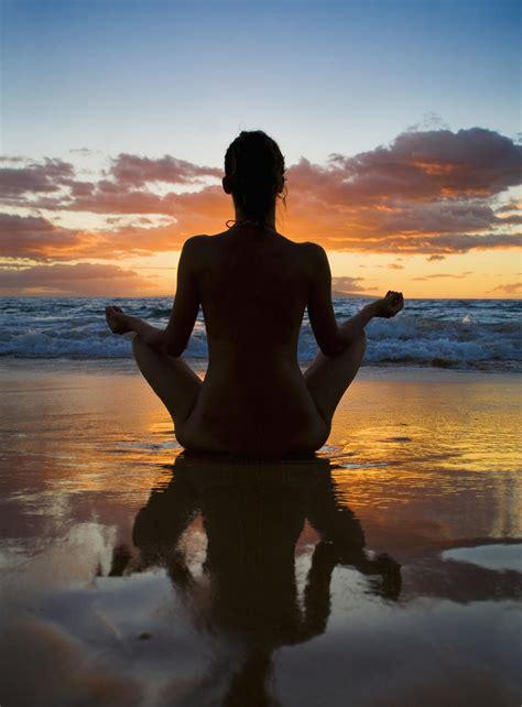 Hawaii, Maui, Silhouette Of Beautiful Girl Doing Yoga On