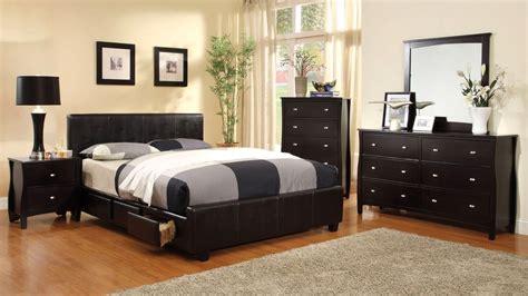 Burlington Contemporary Espresso Platform Bedroom Set With