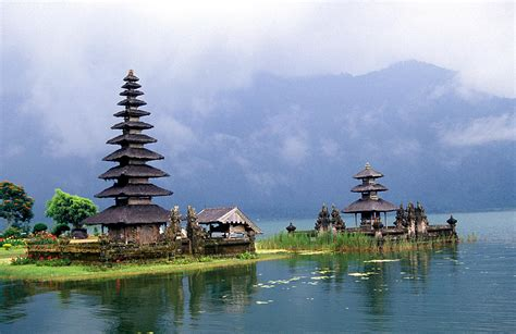 Indonesia, Bedugul, Batur, Besakih, Lovina, Gitgit
