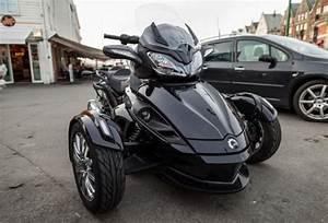 Moto A 3 Roues : comparatif scooter 2 roues et 3 roues lequel est le plus s curisant ~ Medecine-chirurgie-esthetiques.com Avis de Voitures