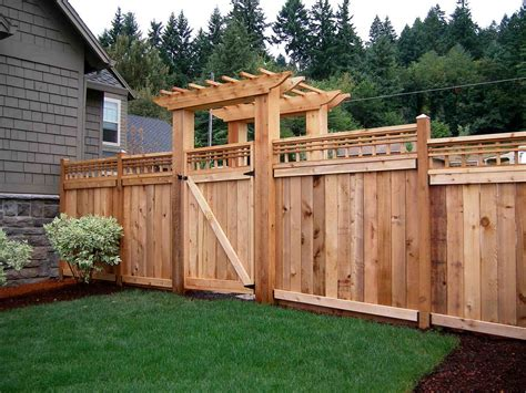 How To Build A Pallet Fence (at No Cost) And 6 Diy Pallet