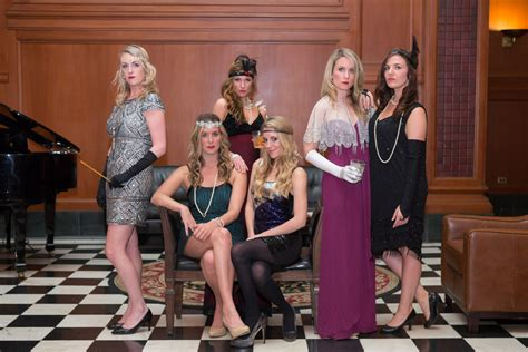 throw  glam  murder mystery party