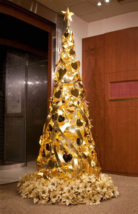 unconventional christmas trees 30 unconventional christmas trees you haven t seen before hongkiat