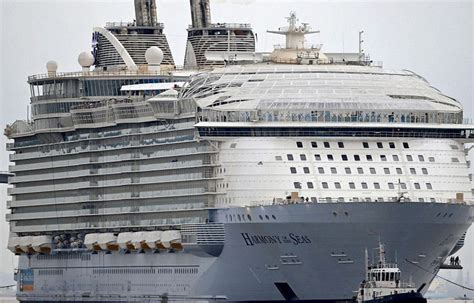 How Many People Can Fit On A Cruise Ship | Fitbudha.com
