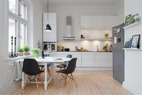cocinas blancas  negras decoracion de cocinas elegantes