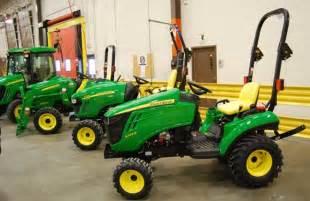 John Deere 1023E Sub Compact Tractor
