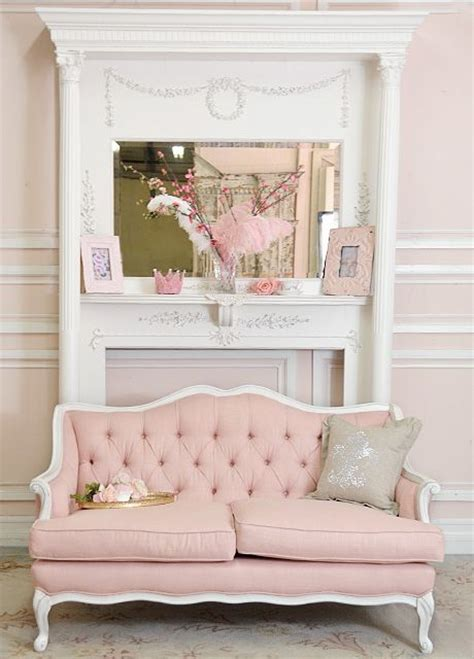 canapé shabby chic shabby cottage chic pink linen tufted style
