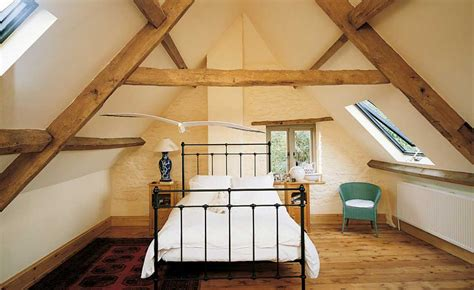 insulating  loft  beginners guide homebuilding
