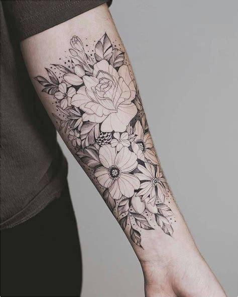 tatouage bras complet femme rose le tatouage requin