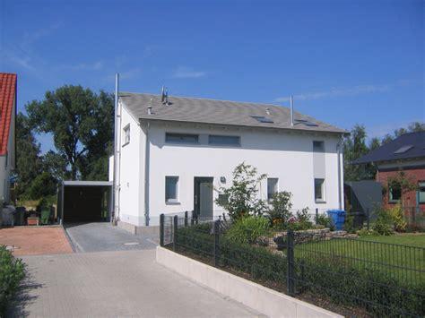Einfamilienhaus Mit Anbau Und Carport, Braunschweig