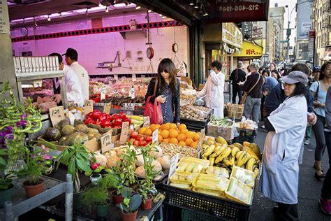 tour du monde à le quartier chinois tour du monde gourmand à york le de york