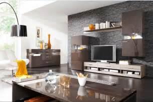 tapeten wohnzimmer beispiele tapete wohnzimmer mit stein motiv komplett mit wohnzimmerschrank gestaltung und lowboard