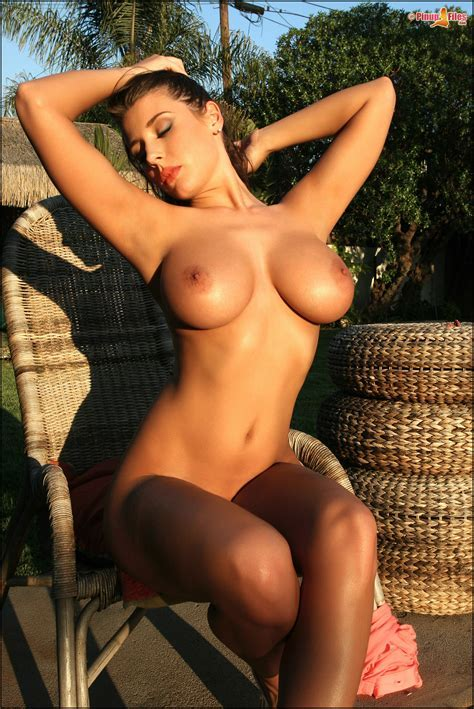 Erica Campbell Flashing Big Boobs Pinupfiles Com Nude