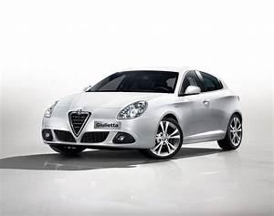 Alfa Romeo Giuletta : alfa romeo giulietta alfa giulietta cut to 25k drive away goauto ~ Medecine-chirurgie-esthetiques.com Avis de Voitures
