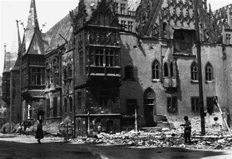 Bis Z Alles Uebers Gruselfest by File Destroyed Town In Wroclaw 1945 Gif Wikimedia