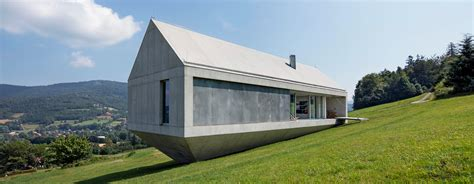 country homes interiors magazine kwk promes completes konieczny 39 s ark house in poland
