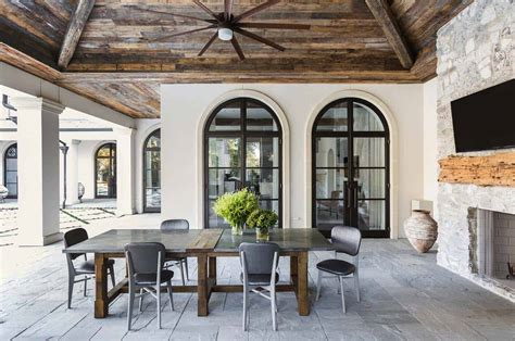 Mediterranean style Texan home with light flooded interiors