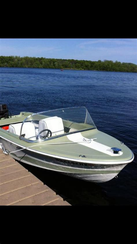 Larson Runabout Boats by 33 Best Images About Larson Boats On The Boat