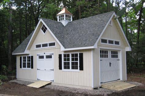 LUXURY POLE BARNS   Sheds, Garages, Equine Buildings