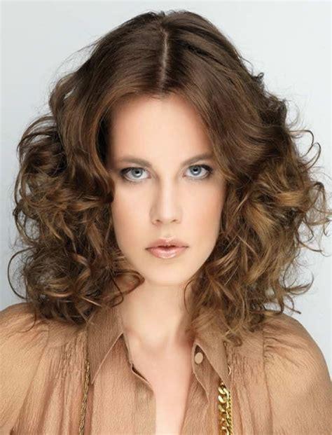 medium to haircuts for wavy hair wavy hairstyles for medium hair best 46 5676