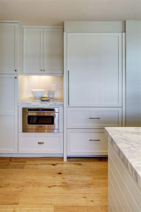 Custom Kitchen Islands That Look Like Furniture by Best 25 Cabinet Trim Ideas On Kitchen