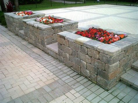 Keystone Brick Pavers by Keystone Stonegate Retaining Wall With 4x8 Coral