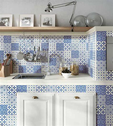 carrelage bleu idees deco pour cuisine  salle de bain