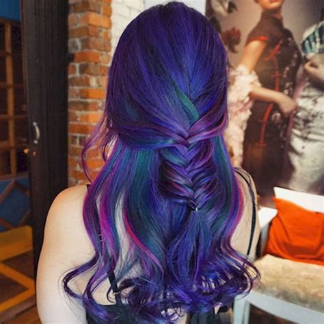 women  dyeing  hair  bright colors