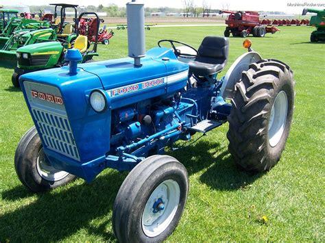 1973 Ford 3000 Tractors   Utility (40 100hp)   John Deere